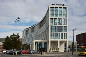 hilton-hotel-liverpool-right_content-415